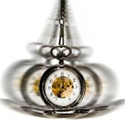 clock in motion - hypnotism